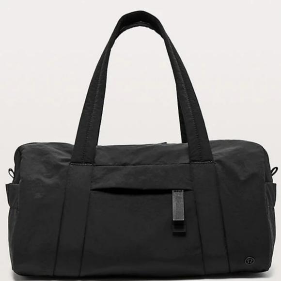 NEW Lululemon On My Level Barrel Bag Inkwell Black
